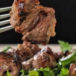 В Днепре мужчина умер на кухне, подавившись куском мяса