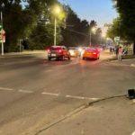 В Днепре Mercedes столкнулся с Mitsubishi: шесть пострадавших